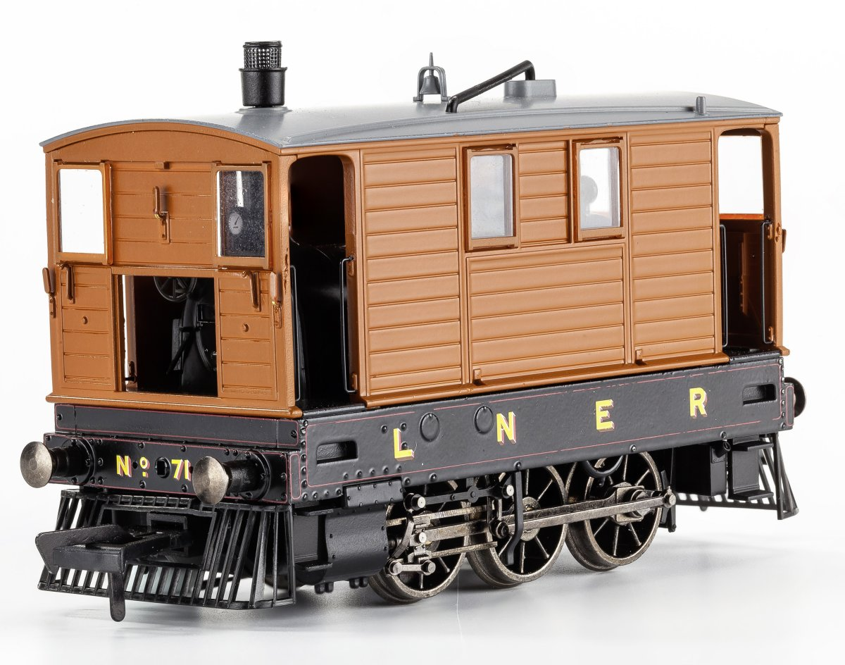 MR-210 Rapido LNER Class J70 Steam Locomotive number 7139 in LNER lined livery with partial skirts